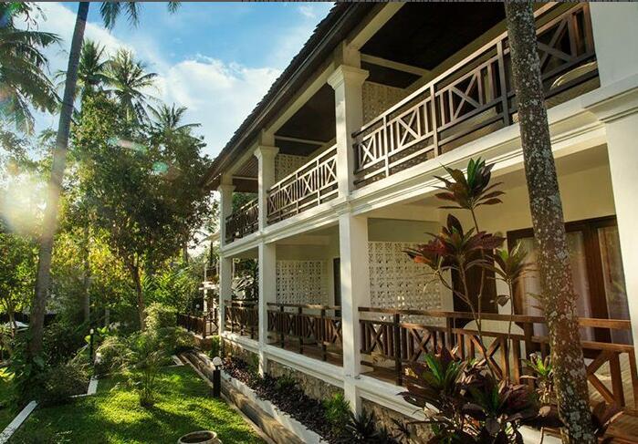 PARASOL BLANC HOTEL